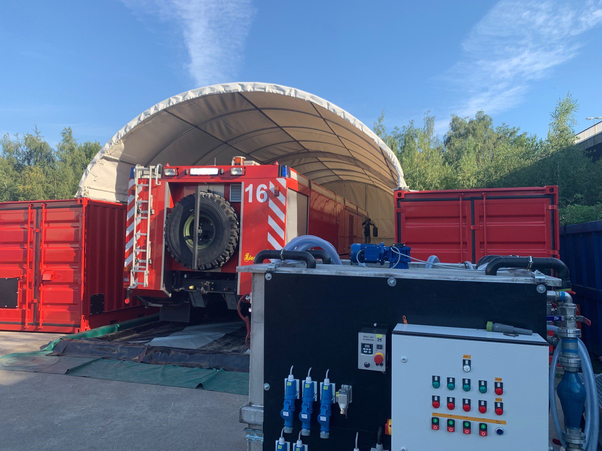 Mobile cleaning system for fire trucks 4